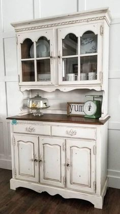 9 Painted Hutch Makeovers That Will Make You Pull Out Your Paint Brush! Chalk Paint Hutch, Chalk Paint Furniture, Furniture Projects, Diy Furniture, Chalk Paint Kitchen Cabinets, Chalk Paint Projects, Kitchen Paint, Paint Ideas, Furniture Design