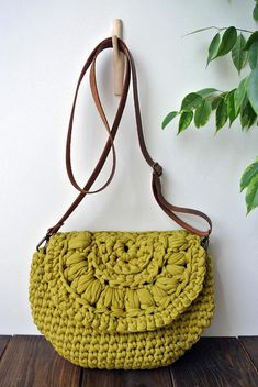 Crossbody summer crochet bag/ beach boho chic / shoulder bag /