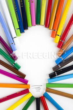 컨셉, 사진, 교육, 스튜디오, 생각, 오브젝트, 과학, 발명, freegine, 색연필, 연필, 전구, 아이디어, 에프지아이, FGI, PHO275, PHO275a #유토이미지 #프리진 #utoimage #freegine 19402682