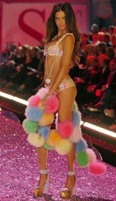 Adriana Lima VS Pink 2009 - luv the poofball boa!