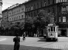 Ilyen is volt Budapest - Aréna (Dózsa György) út a Thököly útnál Old Pictures, Old Photos, Commercial Vehicle, Historical Photos, Budapest, Arch, The Past, Street View, History