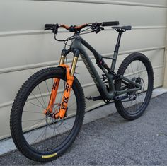 Sometimes people taking part in specific disciplines of cycling will purchase a specialized mtb, developed for the discipline. While cross-country, freerider and enduro are the most common discipli… Specialized Mountain Bikes, Specialized Bikes, Bike Wallpaper, Bmx, Mtb Enduro, Montain Bike, Mt Bike, E Skate, Baby Bike