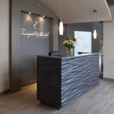 Tranquility Dental - Soelberg Industries Like the background feature wall with recessed lighting Dental Office Decor, Medical Office Design, Healthcare Design, Home Office Decor, Dental Design, Spa Interior, Salon Interior Design, Beauty Salon Decor, Beauty Salon Interior