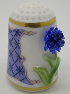 Cornflower - Aciano.  Franklin Porcelain.  Thimble-Dedal-Fingerhut.