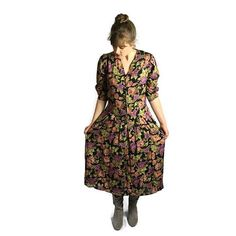 Vintage 90s floral dress only £15. see this and more 90s grunge over at Super Queenie Retro.