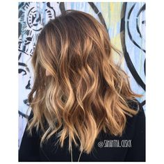 "Samantha Cusick London on Instagram: ""B A L A Y A G E BEACH VIBES | TEXTURE | LAYERS Colour by me @samantha.cusick using @wellahair Magma /17 teamed with @olaplexuk so keep hair in perfect condition • Cut by @sarah_arnold"