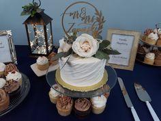 Swipe Wedding Cake. Simple Wedding Cake. Rustic Wedding. Boho Wedding. Wedding Trends. Simple Wedding. Rustic Wedding Cake. Boho Wedding Cake. Cupcake Wedding.
