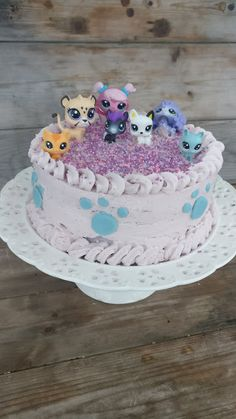 Kaikki äitini reseptit: kakut Baby Alive Doll Clothes, Baby Alive Dolls, Lps Cakes, Baby Birthday, Birthday Cake, Party Cakes, Pet Shop, Barn, Desserts