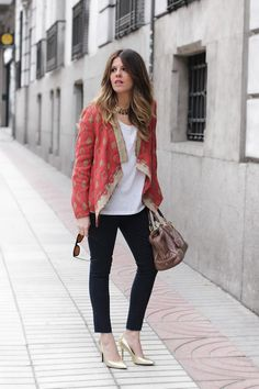 Shop this look on Kaleidoscope (jacket, jeans, pumps)  http://kalei.do/Wfi0kV38D8Sxfdk0