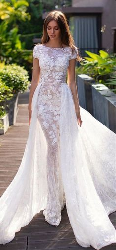 Chic Wedding Dresses, Fit And Flare Wedding Dress, Princess Wedding Dresses, Colored Wedding Dresses, Designer Wedding Dresses, Bridal Dresses, Short Dress Wedding, Autumn Wedding Dresses, Flower Wedding Dresses