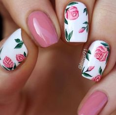 Pink Nails With Vintage Roses. Best Pink Nails Designs to Look Romantic and Girly Stiletto Nail Art, Acrylic Nails, Coffin Acrylics, Nail Art Designs, Round Nail Designs, Gel Polish Designs, Flower Nail Designs, Uñas Diy, Flower Nails