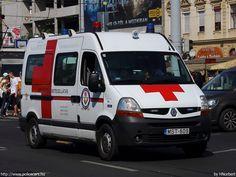 Aranyszív Ambulance mentőautó: Légkondicionált, korszerű gépkocsikkal dolgozunk. Gépjárműveink a szükséges orvostechnikai eszközökkel is felszereltek.