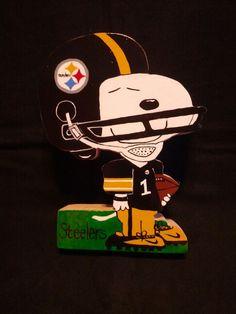 Steelers Charlie Brown Cartoon, Charlie Brown And Snoopy, Peanuts Cartoon, Peanuts Snoopy, Snoopy Love, Snoopy And Woodstock, Snoopy Characters, Pittsburgh Steelers Wallpaper, Dallas Cowboys Logo