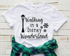 Walking in a Disney T-shirt FD Source by Look t-shirt Disney Christmas Shirts, Christmas Travel, Etsy Christmas, Funny Christmas, Christmas Time, Christmas Crafts, Christmas Ornaments, Look T Shirt, T Shirt Diy