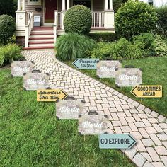 World Awaits – Map Party Lawn Decorations – Outdoor Travel Themed Party Yard Decorations – 10 Piece - Modern Outdoor Christmas Decorations, Lawn Decorations, Graduation Theme, Graduation Ideas, Graduation Parties, Retirement Parties, College Graduation, Outdoor Reisen, Outdoor Topiary