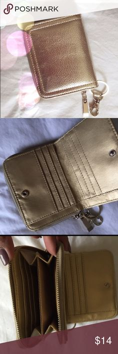 Gold Wallet Super cute, in perfect condition  Francesca's Collections Other