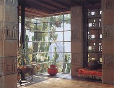 The Samuel and Harriet Freeman House. Frank Lloyd Wright. Hollywood Hills.1924