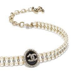 High Jewelry, Cute Jewelry, Luxury Jewelry, Boutique Haute Couture, Chanel Couture, Chanel Jewelry, Jewelery, Chanel Pearls, Estilo Coco Chanel