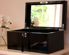 Black Lacquered Jewellery Box – Large | Oliver's Twisty Tales