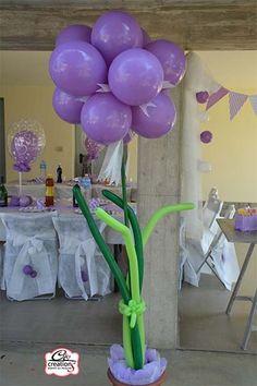 Addobbo con palloncini oro per festeggiare le nozze d 39 oro anniversario di matrimonio presso il - Addobbo tavola prima comunione ...