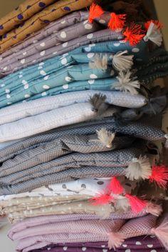 Matelas de sol coussin molletonn type futon coton mille fleurs rouge couture pinterest - Dormir sur matelas au sol ...