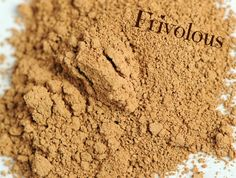 Frivolous #younique #concealer  Moodstruck Minerals Concealer 100% natural, chemical-free, mineral-based pigment powders, free of talc, oils, preservatives, perfumes, synthetic dyes, and parabens.
