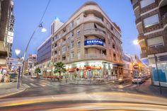 _MG_6286 Commercial street .jpg Size: 11,4 MB 5616×3744 by Carlos Ramírez de Arellano del Rey on 500px