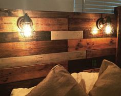 ideas wood pallet headboard with lights etsy Wooden Pallet Furniture, Wooden Pallets, Diy Furniture, Pallet Wood, Reclaimed Wood Headboard, Diy Pallet Headboard, Custom Headboard, Headboard Ideas, Headboard With Lights