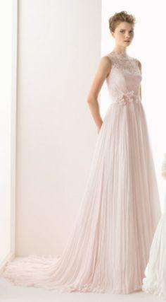 vestido de #noiva em rosa claro, da coleção Soft 2014 de Rosa Clará #casarcomgosto