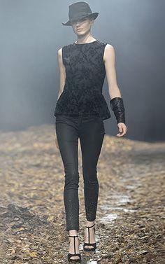 Look en negro total de Benetton / colección otoño invierno 2013