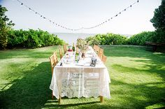 One advantage of having an intimate wedding? All of your guests can be seated together at one stunning table! Photo: Ashley Camper | Snippet & Ink