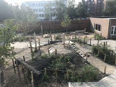 Foto's Primary School, Playground, Patio, Adventure, Landscape, Outdoor Decor, Seeds, Children Playground, Upper Elementary