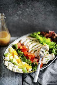 Kielenvievää: Cobbin salaatti vie taatusti nälän