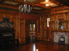 After Passing Away, They Found That Most Of The Winchester Fortune Was Gone | The Winchester House Has Over 160 Rooms And Is Haunted