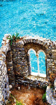 Rovine antico castello a Portovenere - Italia  #portovenere   #italia   #laraF