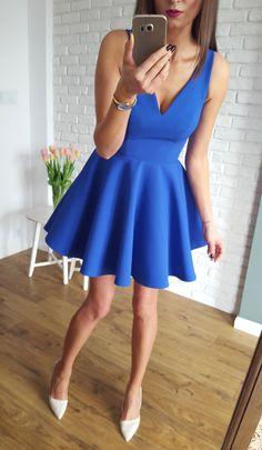 Kobaltowa sukienka z dłuższym tyłem. Propozycja na wesele lub poprawiny :)  229 zł  www.illuminate.pl