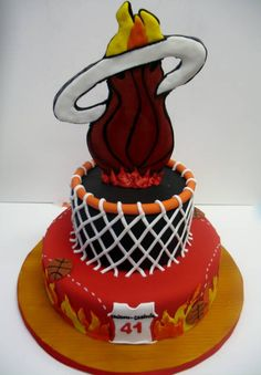 Our Miami Heat cake - Make the first layer to put the snap back on it. Adult Birthday Cakes, Birthday Ideas, 9th Birthday, Creative Cakes, Creative Food, Miami Heat Cake, Fondant Cakes, Cupcake Cakes, Sport Cakes
