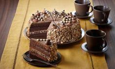 Chocolate Praline Crunch Cake 9 in. Pie Recipes, Baking Recipes, Dessert Recipes, Chocolate Crunch Cake Recipe, Food Cakes, Cupcake Cakes, Cupcakes, Cute Baking, Marshmallow