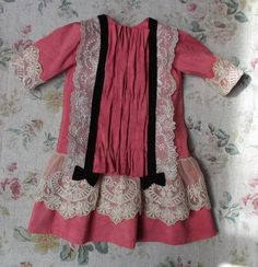 Awesome French style antique doll outfit in natural silk 11,6 inch