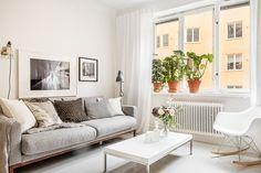 erik olsson, http://trendesso.blogspot.sk/2015/11/cute-scandinavian-apartment.html