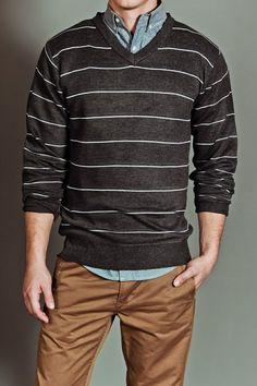 El suéter negro debe ser un básico en tu guardarropa. #EstiloTriples