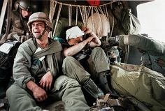 World Press photo with titels and descriptions of the amazing photos! Learn more about the 50 photos who changed the world! Sun Tzu, Army Times, World Press Photo, Military Operations, Photo Report, New Politics, American Soldiers, Vietnam War, New Zealand