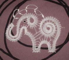 éléphant en dentelle