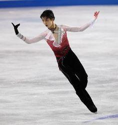 Pictures - Yuzuru Hanyu in 2012 - National figure skating | Examiner.com