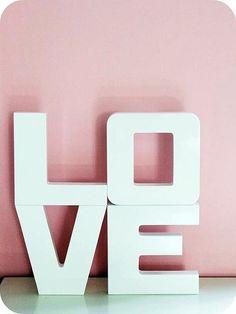 http://www.flickr.com/photos/bethbebeth/  pink.  love