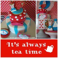 Cake at a Un-Birthday Alice in Wonderland Party #aliceinwonderland #party