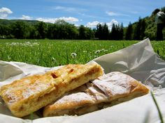 There's nothing better than eating apple strudels in Salzburg, Austria. Janet... Pls have one for me!!!