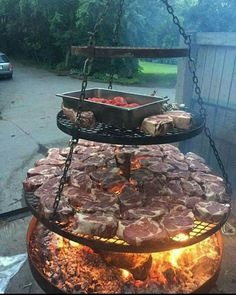 This makes me hungry for bbq! - This makes me hungry for bbq! Fire Pit Grill, Fire Pit Backyard, Backyard Patio, Backyard Landscaping, Fire Pits, Modern Backyard, Backyard Ideas, Parrilla Exterior, Outdoor Kitchen Design
