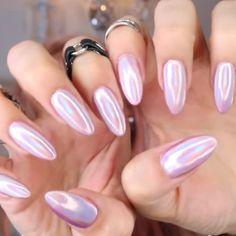 paznokcie holograficzne różowe
