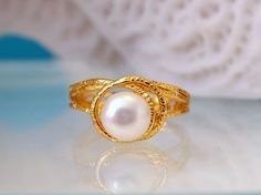 925 Sterling Silver 18KGP Ring with Freshwater Pearl by LoveMirror